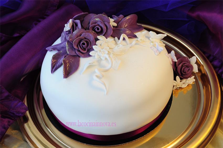 tarta decoradas con rosas para cumpleaos o bodas