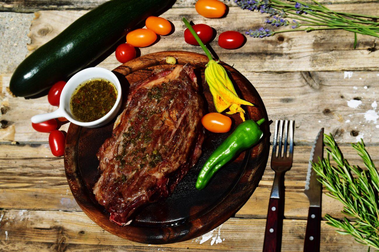 Salsas barbacoa: chimichurri y pimichurri