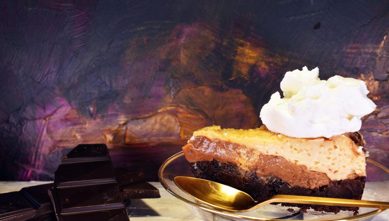 Tarta mágica, chocolate, flan y dulce de leche