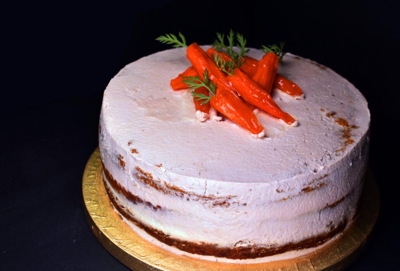 Tarta de de zanahoria con crema de queso al oporto